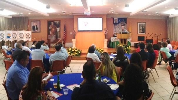 Hispanic alumni gather to support Fe y Alegría in Miami