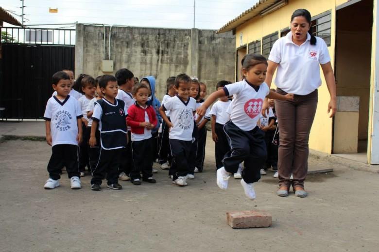 Fe y Alegría Ecuador galardonada con subvención de Loyola Foundation