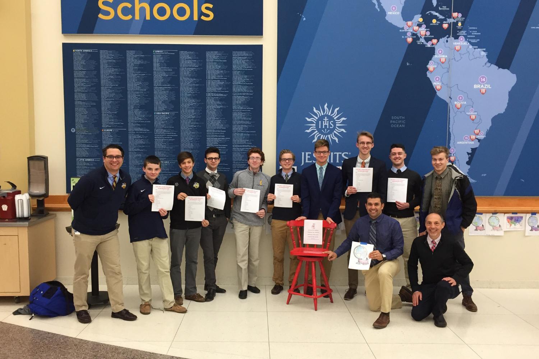 St. Ignatius High School in Cleveland participa en La Silla Roja